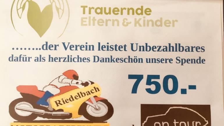 Motorradfreunde Riedelbach stoppen für Spende
